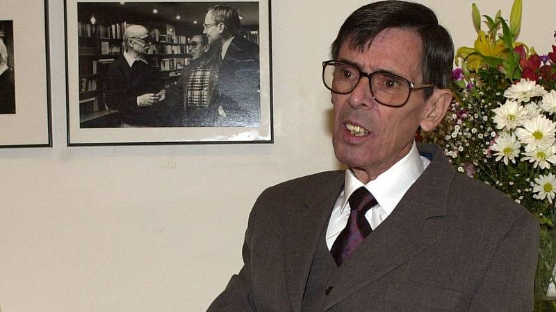 Documentos RNE - José Ángel Valente: por el interior de la palabra hacia el fondo de la memoria - 17/07/20 - escuchar ahora