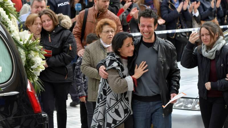 Boletines RNE - Ana Julia Quezada se derrumba ante la Guardia Civil y confiesa que mató a Gabriel - Escuchar ahora