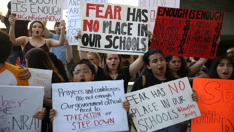 De lo más natural - Avance - Never again: los estudiantes de EE.UU piden mayor control de las armas - Escuchar ahora