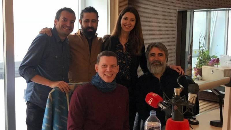 Las cuñas de RNE - Pilar Bergés juega con Javier Lara y 'El corazón de las tinieblas' - 17/04/18 - Escuchar ahora