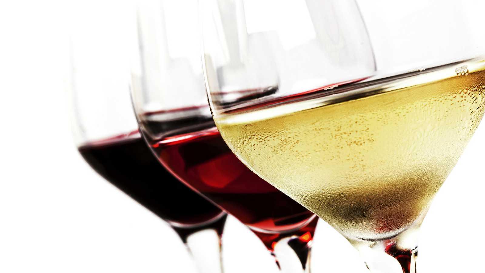 España vuelta y vuelta - Una copa de buen vino español en buena compañía - 17/04/18 - Escuchar ahora