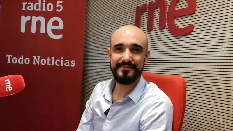 """Entre paréntesis - Abel Pintos: """"Tengo una buena relación con la soledad"""" - Escuchar ahora"""