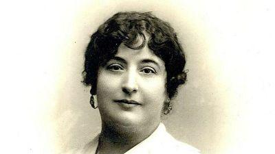"""Documentos RNE - """"Carmen de Burgos, 'Colombine': arte y libertad"""" - 16/08/18 - escuchar ahora"""