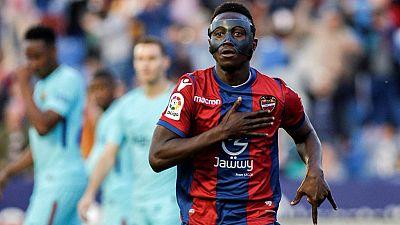 Tablero deportivo - Los goles del Levante U.D. 5 F.C. Barcelona 4 - Escuchar ahora