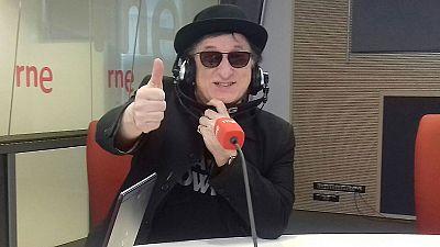 Las mañanas de RNE - Javier Gurruchaga y la Orquesta Mondragón publican nuevo disco: '¡Noticia bomba!' - Escuchar ahora
