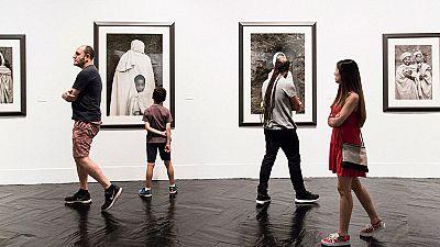 Las mañanas de RNE - PhotoEspaña, dos décadas que han cambiado mucho la forma de mirar la fotografía - Escuchar ahora