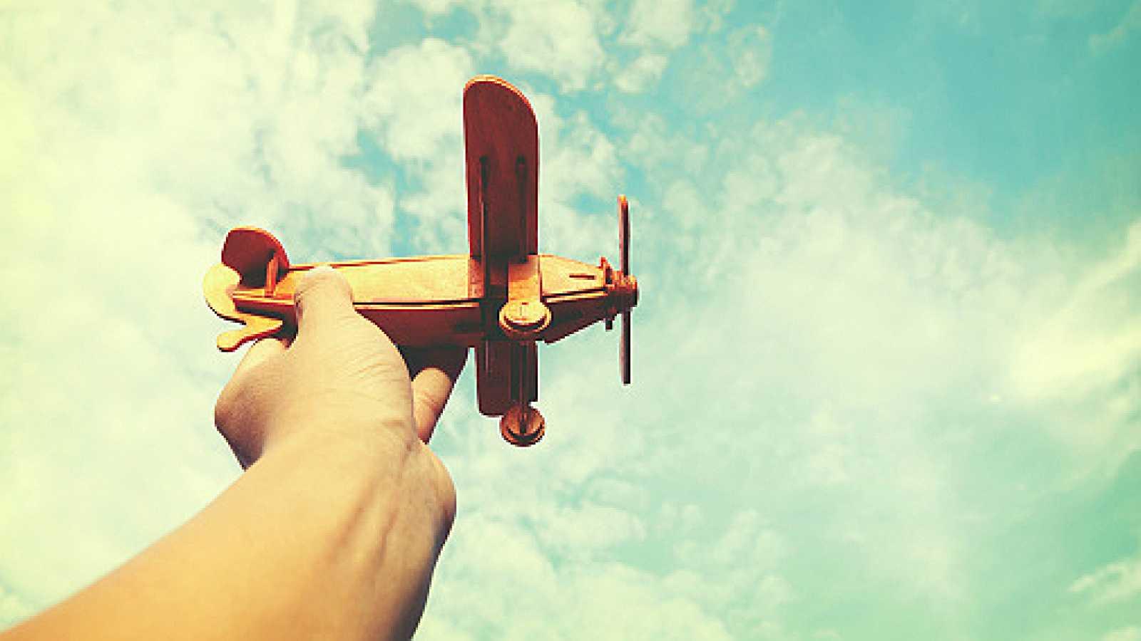 Por todo lo alto - La aviación para contribuir a los objetivos de desarrollo sostenible - 06/06/12 - escuchar ahora