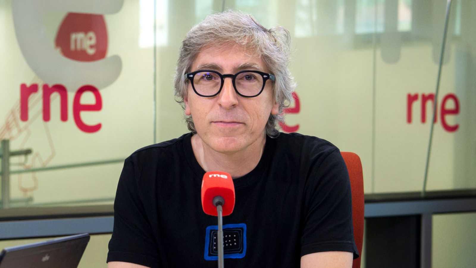 Las mañanas de RNE - David Trueba vuelve a apostar por Lucía Jiménez y Fernando Ramallo para 'Casi 40' - Escuchar ahora