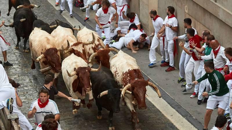 Sanfermines 2018 - Sexto encierro con los toros de Victoriano del Río - 12/07/18 - Escuchar ahora