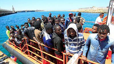 Las mañanas de RNE - Oleada de pateras en las costas españolas: ¿Hay colapso migratorio? - Escuchar ahora