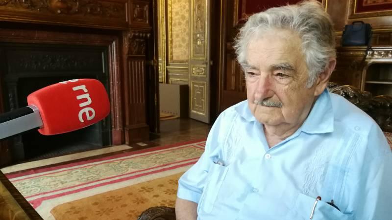 """Cinco continentes - José Mujica: """"Hoy reaparecen las fronteras que son nuestras cicatrices """" - 23/08/18 - Escuchar ahora"""