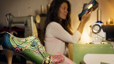 Diez minutos bien empleados - Las aparadoras. Las manos anónimas que cosen el calzado de marca - 03/09/18 - Escuchar ahora