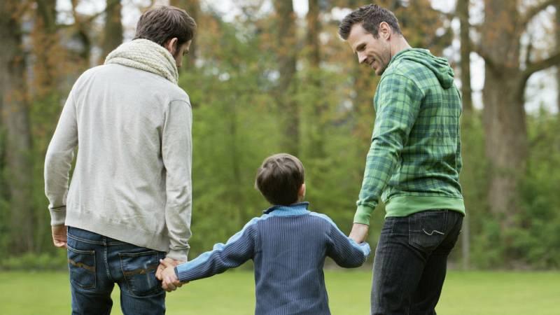 Igualdad de derechos para las familias LGTBI - Escuchar ahora
