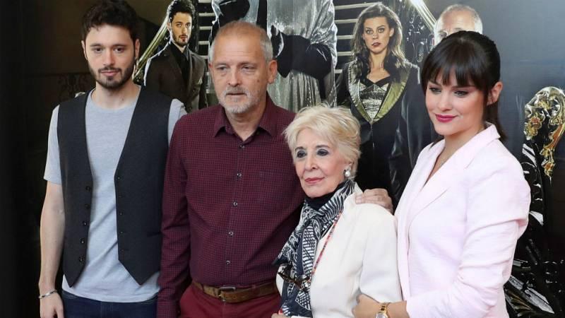 """Todo Noticias Tarde - Concha y Manuel Velasco: """"'El Funeral' es una comedia muy loca y divertida"""" - 04/10/18 - Escuchar ahora"""