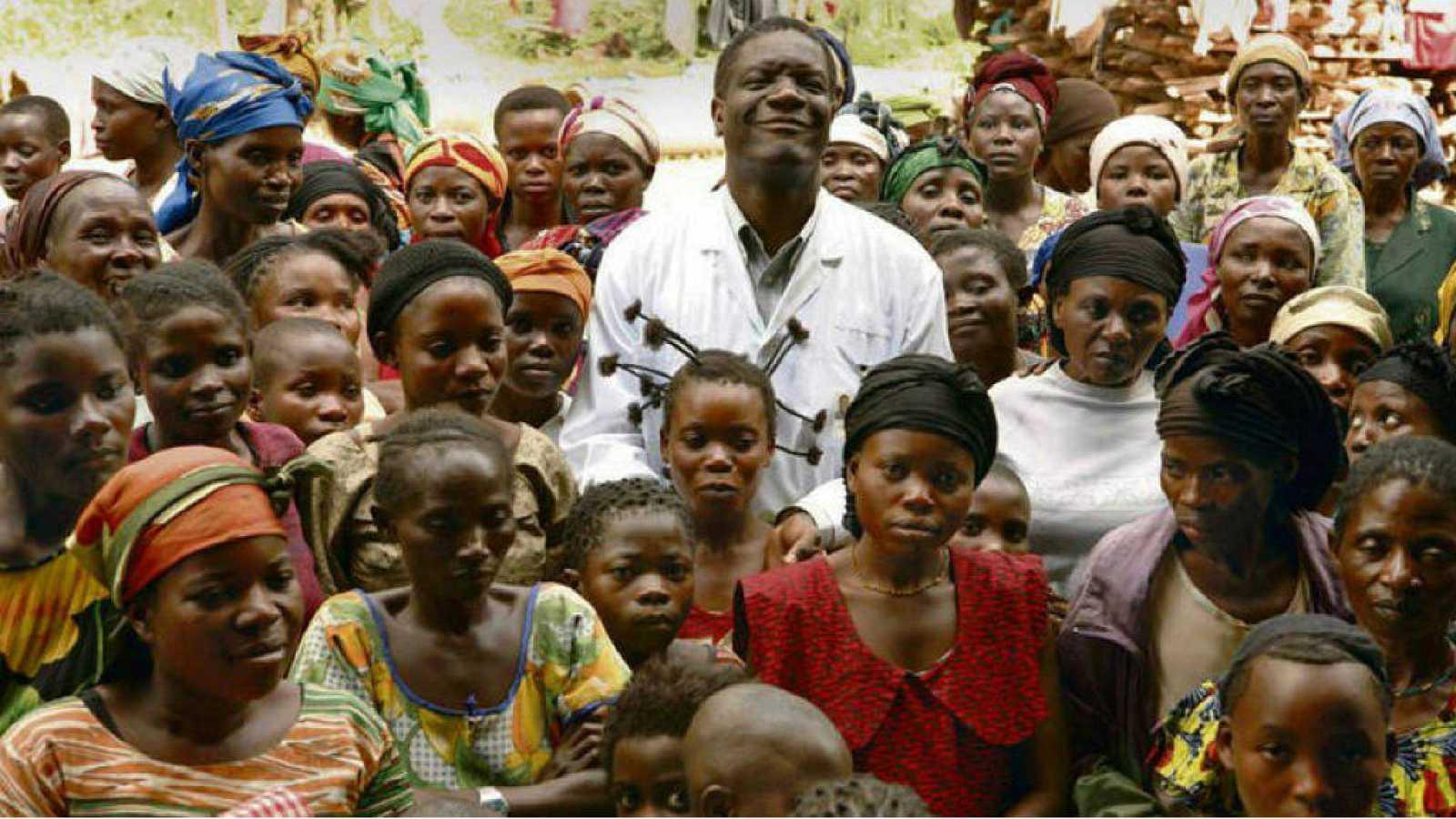 Mukwege dedica el Nobel a las mujeres que sufren violencia