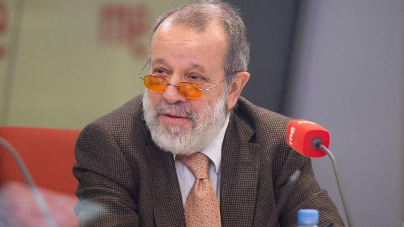 """Las mañanas de RNE con Íñigo Alfonso - Fernández Marugán, defensor del pueblo: """"No creo en la existencia del efecto llamada, creo en la existencia del efecto expulsión"""" - Escuchar ahora"""