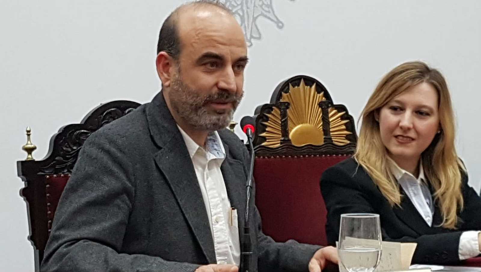 """Diálogo y espejo - """"Escarcha"""" con Ernesto Pérez Zúñiga - 24/11/18 - Escuchar ahora"""