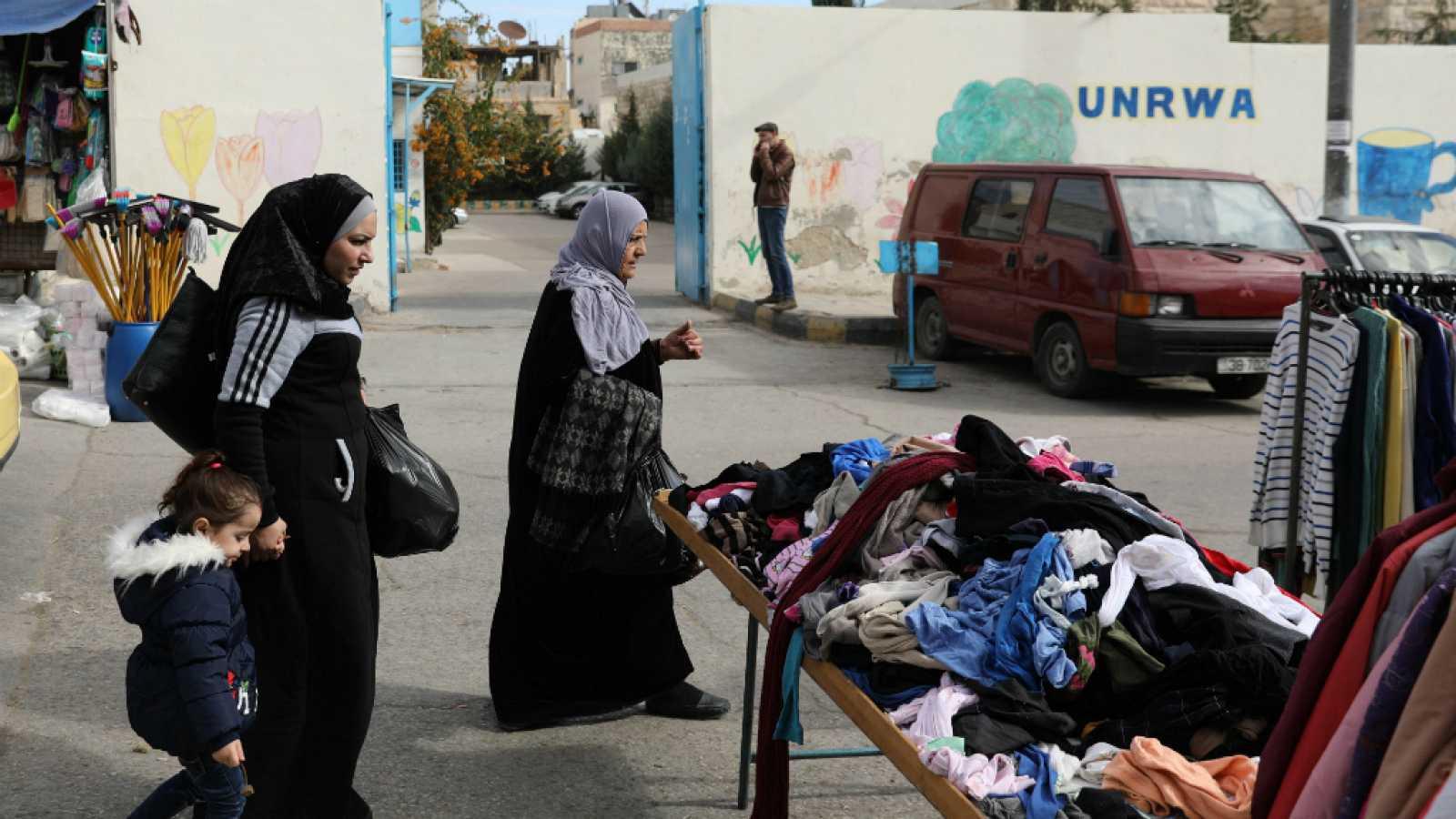 14 horas - Miles de sirios siguen viviendo en campos de refugiados - Escuchar ahora