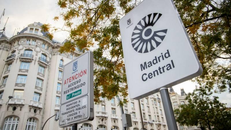 14 horas - Entran en vigor las restricciones para circular por el centro de Madrid - Escuchar ahora