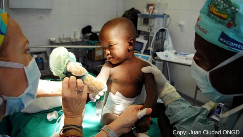La misión de cirujanos españoles en Liberia - Escuchar ahora