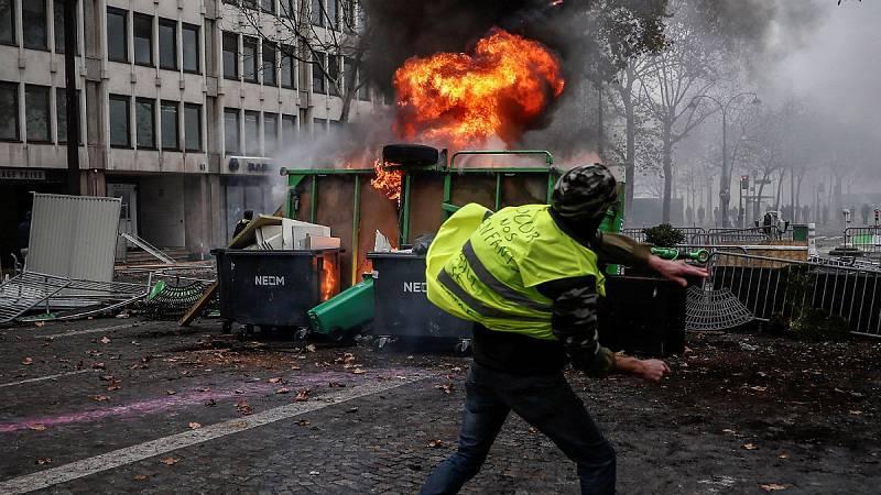 14 horas - Los 'chalecos amarillos' mantienen en jaque a Macron - Escuchar ahora