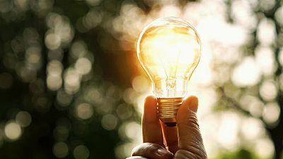 14 horas - El Gobierno congelará la tarifa de la luz en 2019 - escuchar ahora