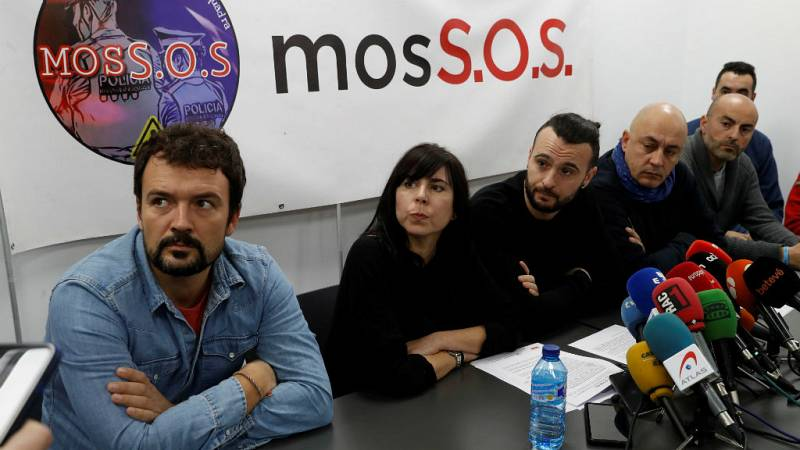 Boletines RNE - Los Mossos denuncian su politización por la Generalitat - Escuchar ahora