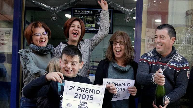 """Lotería Navidad -  El lotero de Pedreguer: """"Devolvimos 30 décimos del segundo"""" - Escuchar ahora"""