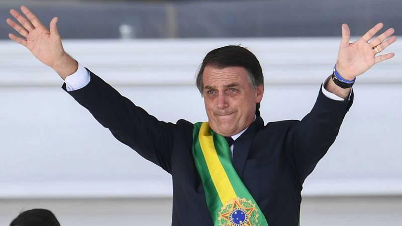 """Las mañanas de RNE con Íñigo Alfonso - """"Esperamos que Bolsonaro tenga muy claro que hay límites constitucionales"""" - Escuchar ahora"""