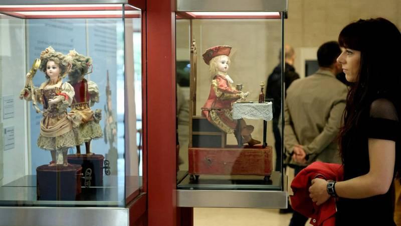 14 horas - Las muñecas de porcelana de la Casa Lis de Salamanca cobran vida - escuchar ahora