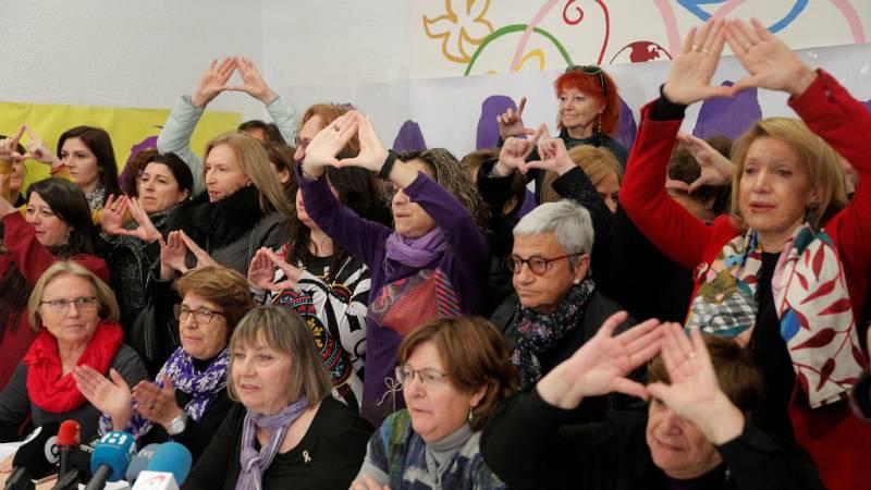 Boletines RNE - Organizaciones feministas se movilizan ante las pretensiones de VOX de eliminar leyes contra la violencia de género - Escuchar ahora