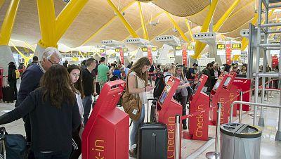 Las cuñas de RNE - Destino: T4 Aeropuerto Adolfo Suárez Madrid-Barajas, en 'Memoria de delfín' - escuchar ahora