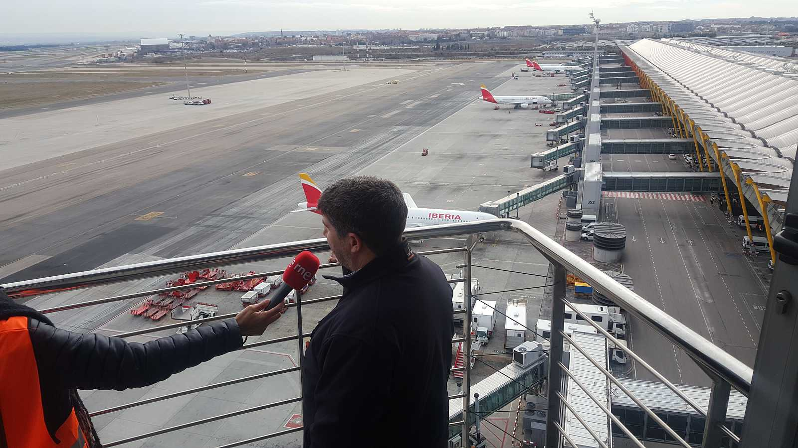 Memoria de delfín - Un recorrido por la T4 del Aeropuerto Adolfo Suárez Madrid-Barajas - 02/02/19 - escuchar ahora