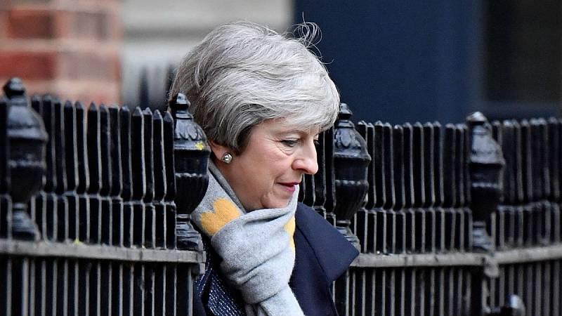 14 horas - May se reunirá el jueves con Juncker para intentar renegociar el Brexit - Escuchar ahora