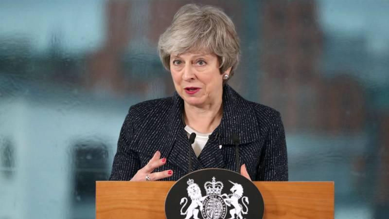 Boletines RNE - Theresa May deja la puerta abierta a flexibilizar su posición ante el Brexit - escuchar ahora