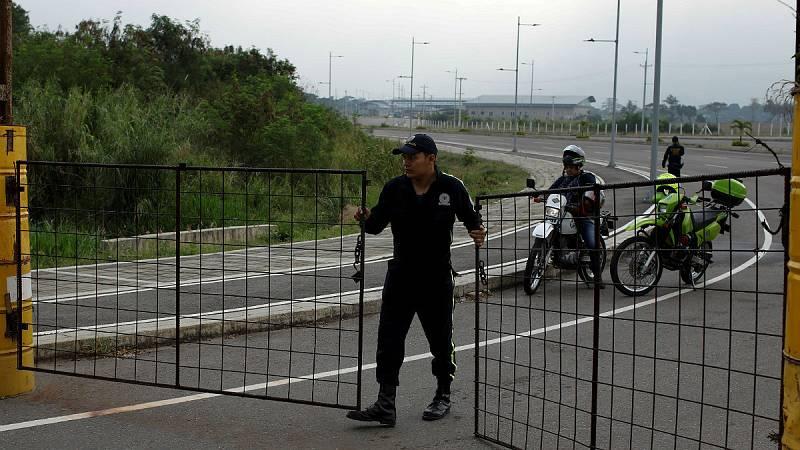 Las mañanas de RNE con Íñigo Alfonso - Los militares bloquean la entrada de ayuda humanitaria en Venezuela - Escuchar ahora