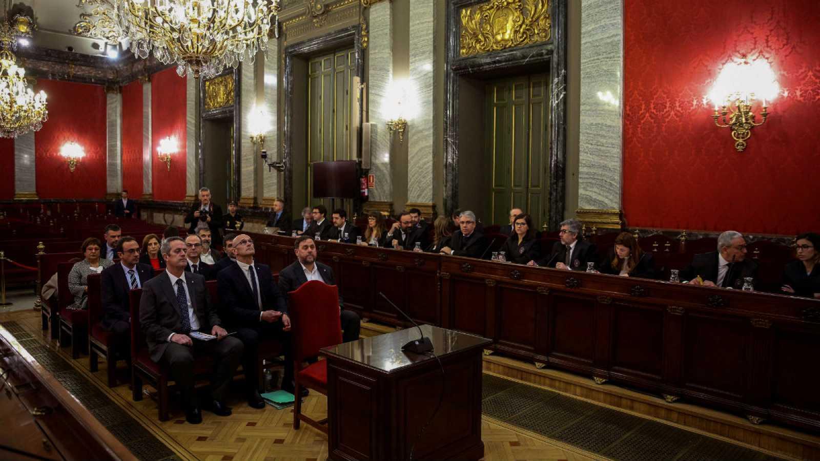 14 horas - Comienza el juicio del 'procés', un sumario histórico y sin precedentes - Escuchar ahora