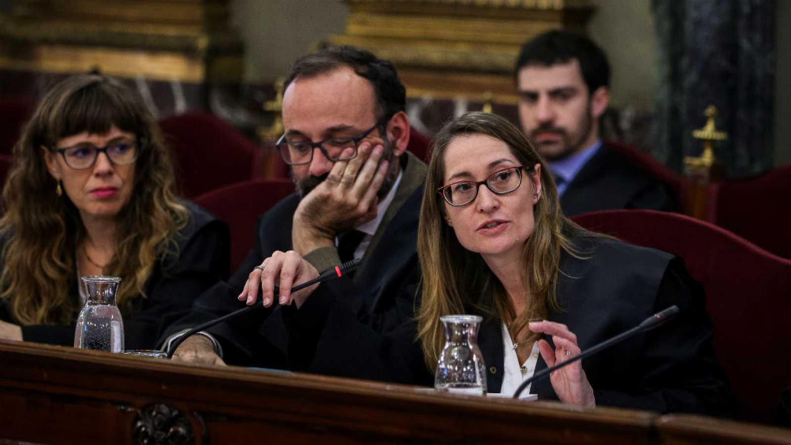 """Boletines RNE - Benet Salellas, abogado de Jordi Cuixart: """"Este juicio es una derrota de nuestro sistema democrático"""" - escuchar ahora"""