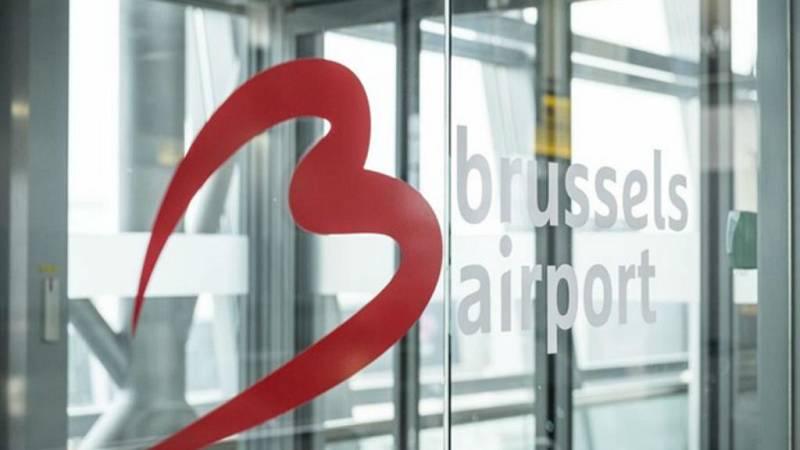 Boletines RNE - Bélgica cierra el tráfico aéreo durante 24 horas - escuchar ahora