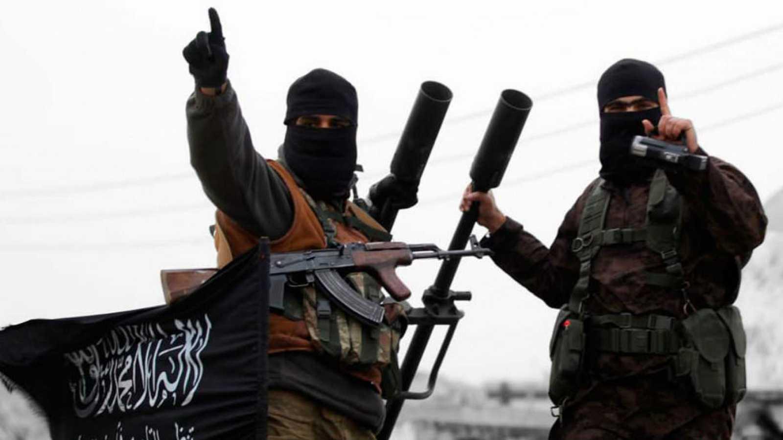 Cinco Continentes - Más de 200 españoles se unieron a las filas de Daesh en Siria - Escuchar ahora