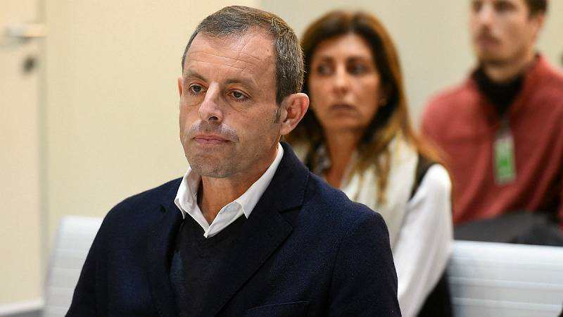 Boletines RNE - La Audiencia Nacional deja en libertad a Sandro Rosell - Escuchar ahora