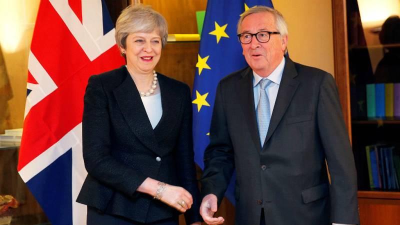 """Las mañanas de RNE con Íñigo Alfonso - May y Juncker pactan el """"ultimo texto"""" sobre el 'brexit' - Escuchar ahora"""