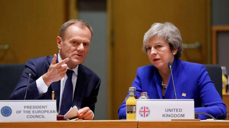 Boletines RNE - La UE podría ofrecer a Londres una prórroga larga del 'brexit' si repiensa su estrategia - Escuchar ahora