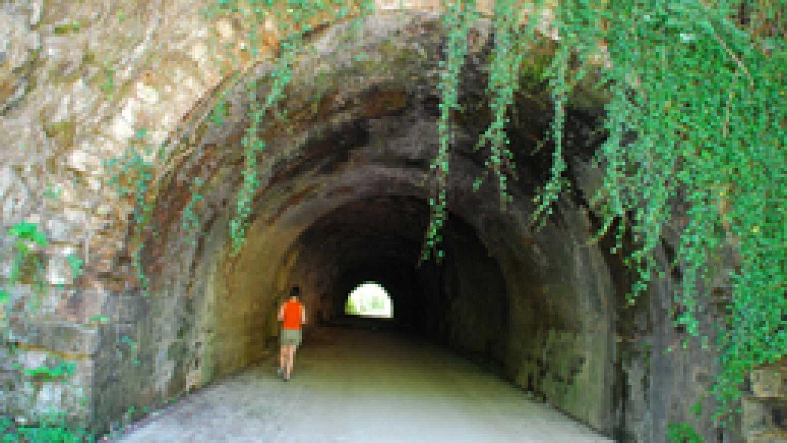 En clave Turismo - Recorremos las Vías Verdes de los Montes de Hierro, en Vizcaya - 19/03/19 - escuchar ahora