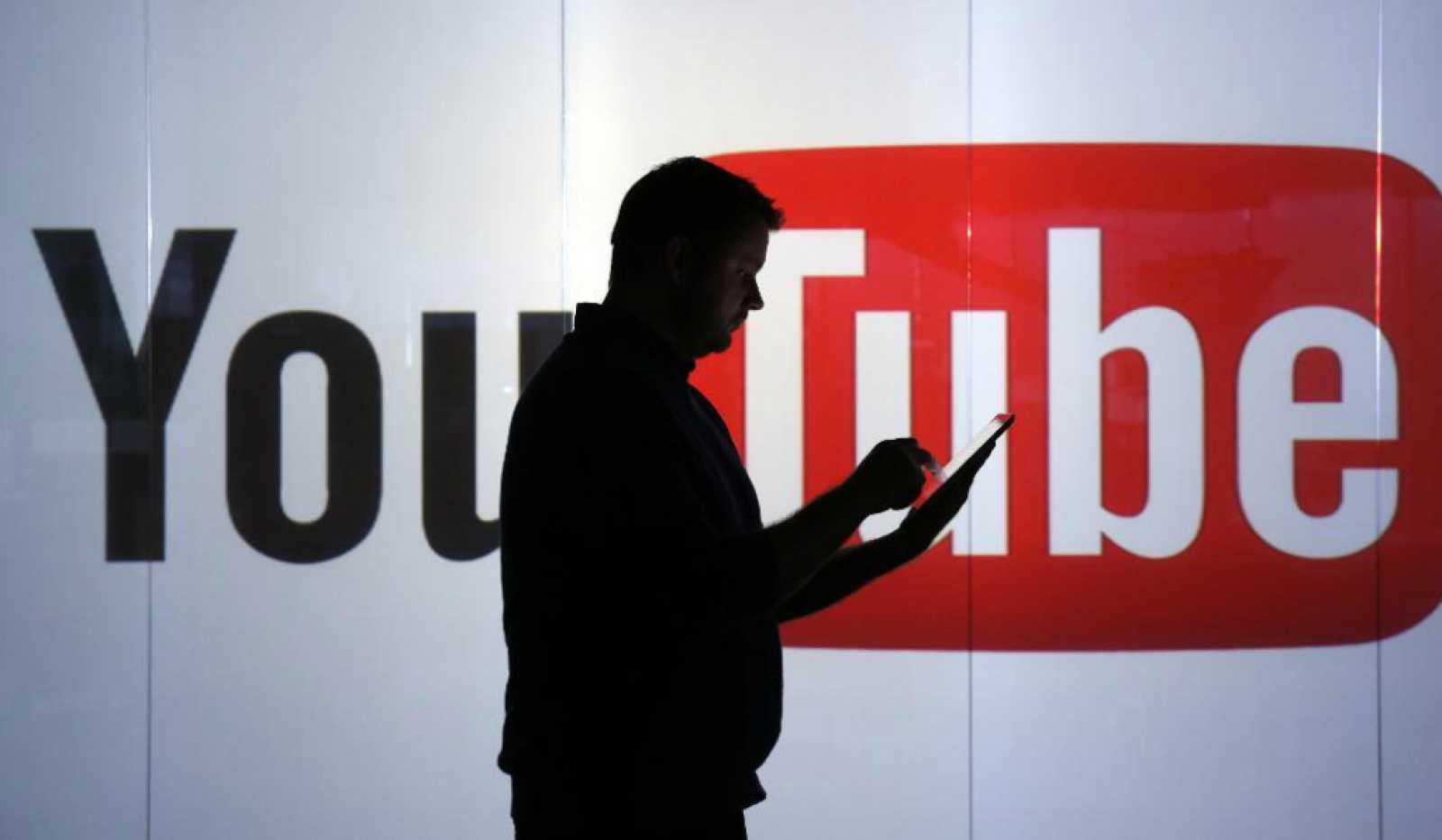 14 horas - ¿Cómo se combate el extremismo en las redes sociales? - Escuchar ahora