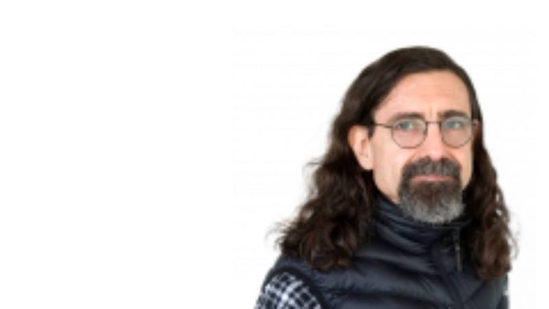 """Mi gramo de locura - Rodrigo Fredes: un chileno """"superviviente de la psiquiatría"""" - 22/03/19 - Escuchar ahora"""