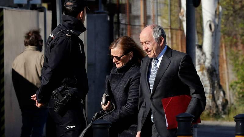 14 horas - Fernández Ordóñez defiende la legalidad de la salida a bolsa de Bankia - Escuchar ahora