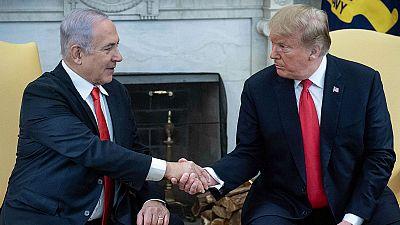 Boletines RNE - Trump reconoce la soberanía israelí de los Altos del Golán - Escuchar ahora