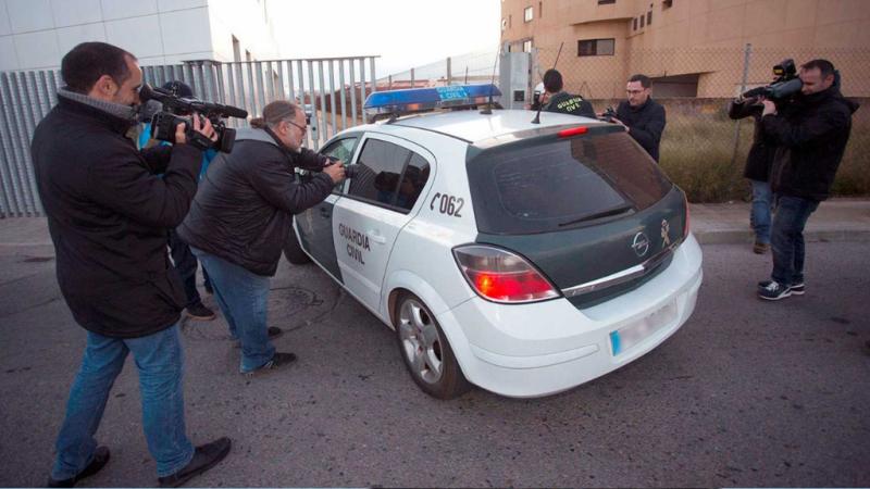 14 horas - Detienen a cuatro menores por una violación en grupo a una niña de 15 años en Alicante - Escuchar ahora