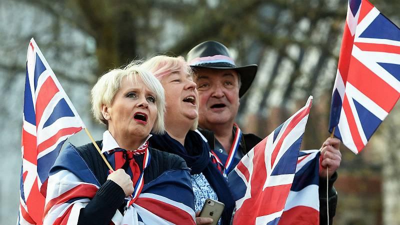 14 horas - Los Comunes quieren forzar a May a una prórroga larga para el 'Brexit' - Escuchar ahora